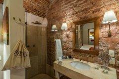batthroom-petit-room-min
